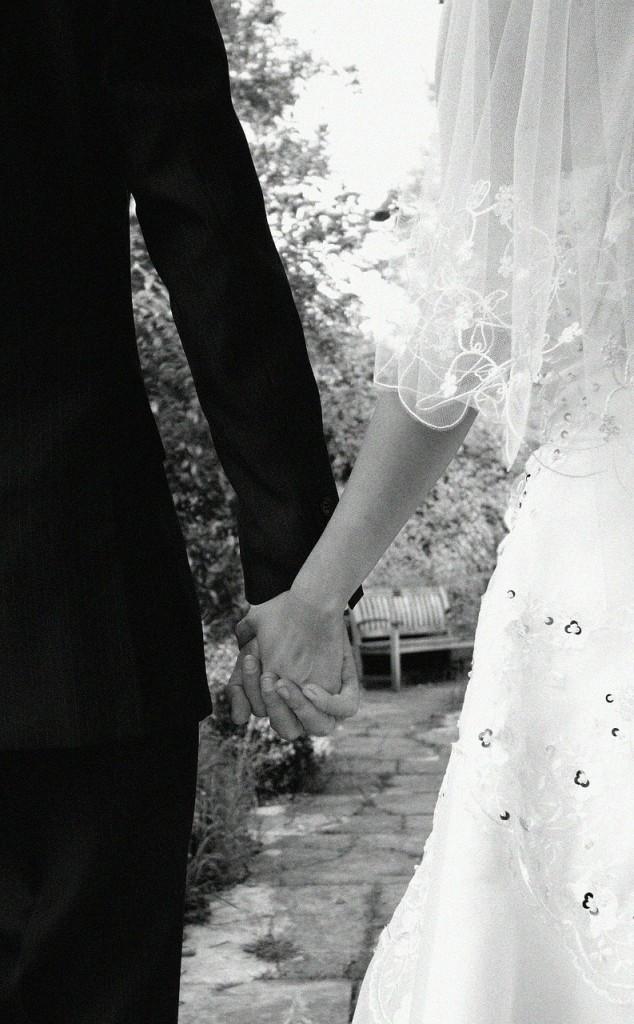 bride-187936_1280