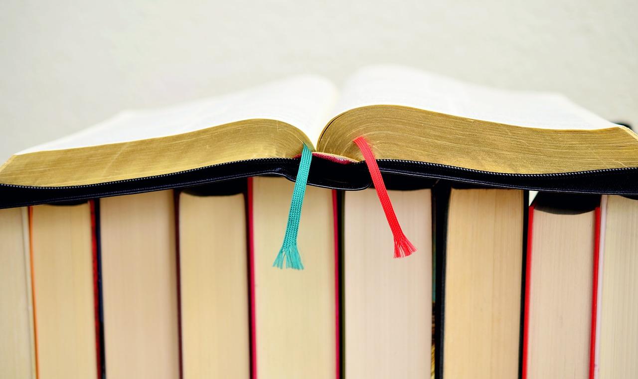 book-610334_1280